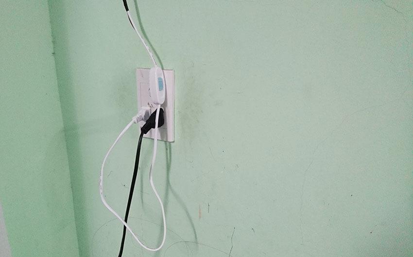 cách nối dây điện chỗ ổ cắm khi lắp trên trần la phông