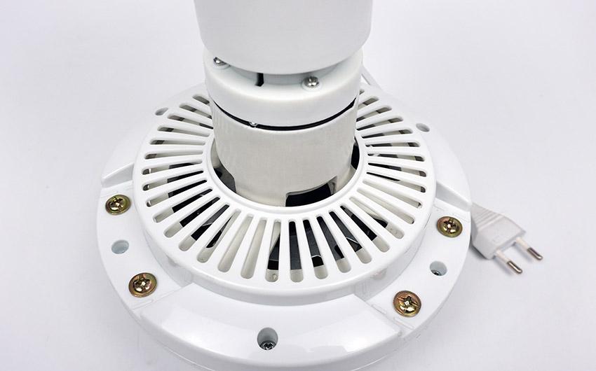 khe tản nhiệt trên quạt trần mini loại đại 1.2m hd120 hillter